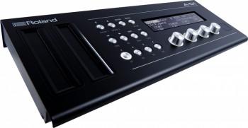 Roland-A01-2.jpg