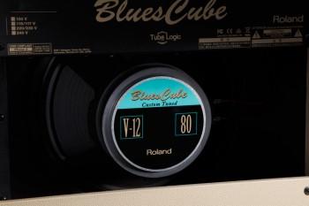 bluescube_hot_angle_3_gal-roland.jpg