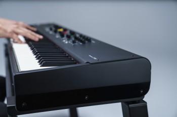 Yamaha-CP88-3.jpg