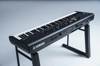Yamaha-stagepiano-cp73-2jpg.jpg